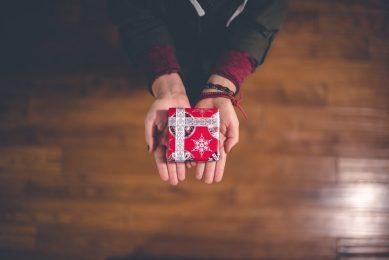 با هدیه دادن بر رفتار مشتری تاثیر بگذارید